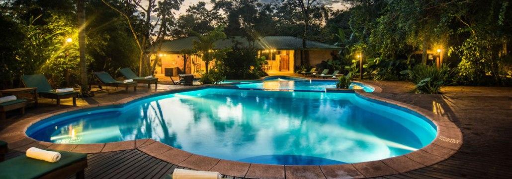Aldea de la selva lodge piscina
